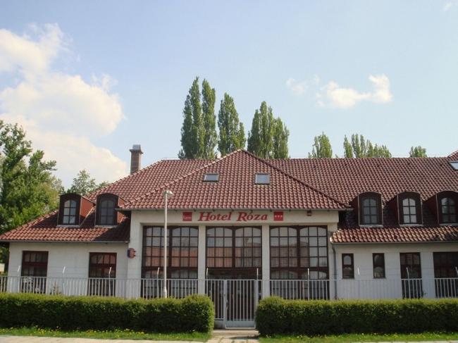 Hotel Róza*** és Apartmanház, Esztergom