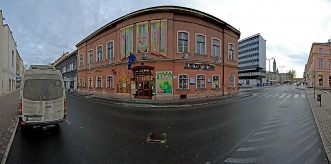 Generárációk Háza, Győr