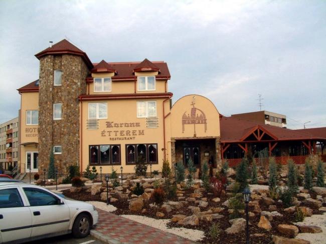 Korona Hotel és Étterem, Püspökladány