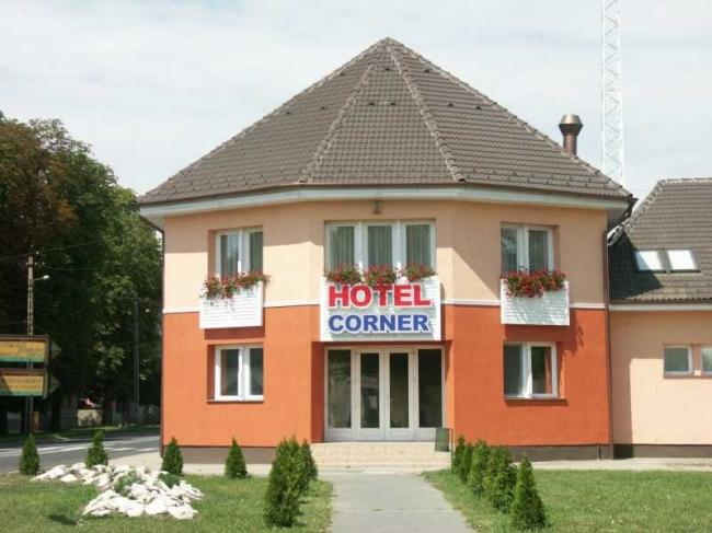 Hotel Corner, Komárom