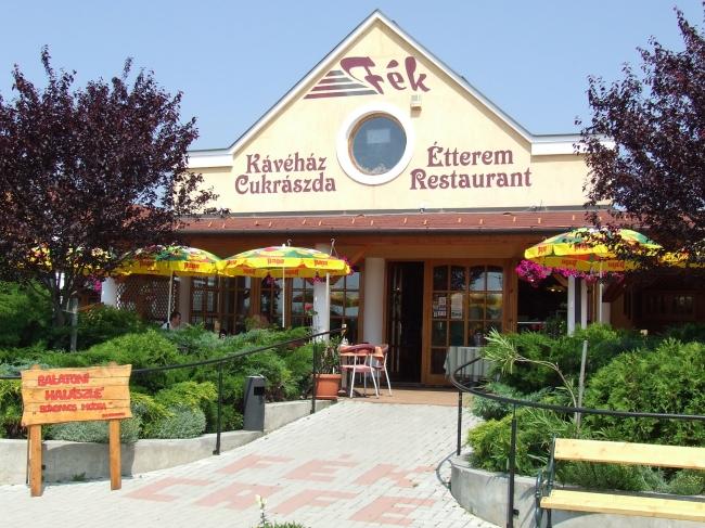 Fék Kávéház Étterem                                                                                                                                   , Balatonakali