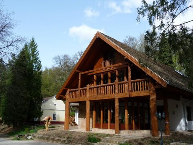 Turisztikai és Természetismereti Központ, Lengyel