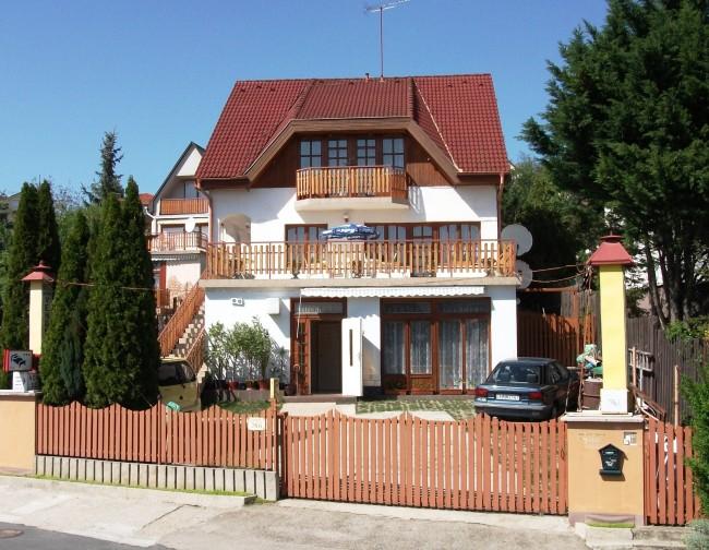 Betti Panzió, Budaörs