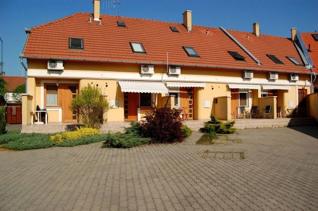 Apartman-centrum, Gyula
