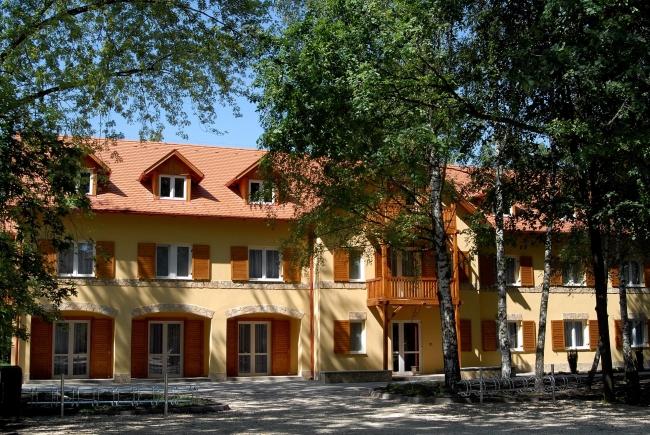Fácános Hotel, Soponya