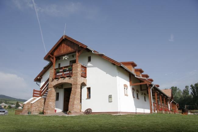 Equital Lovasudvar és Wellness Panzió, Nemesvita