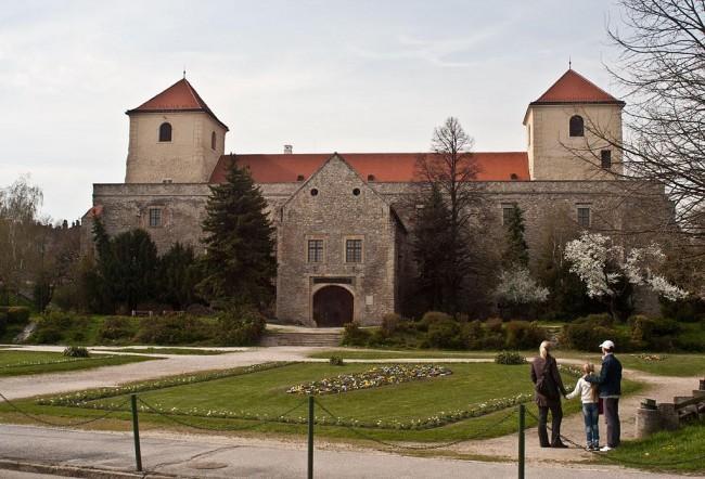 Thury-vár, Várpalota
