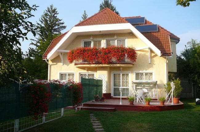Adra Villa, Balatonkenese