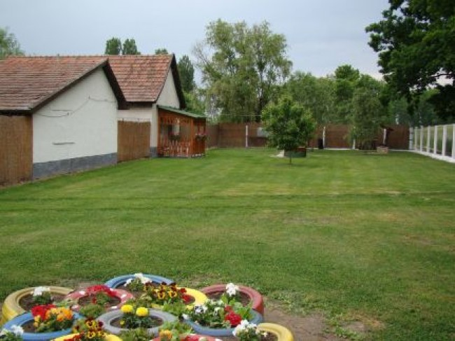 Valika-Vendégház, Sarud