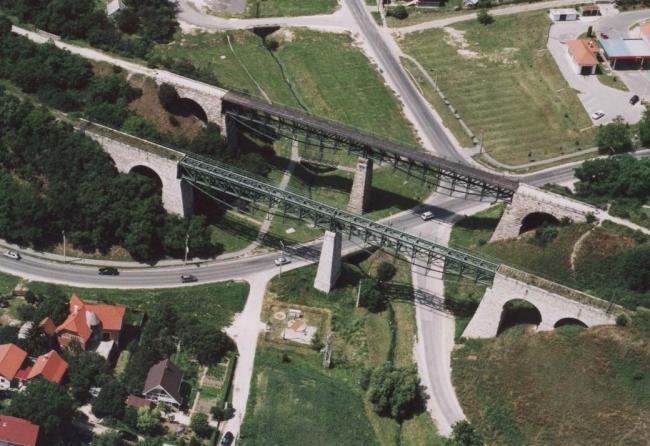 Viadukt                                                                                                                                               , Biatorbágy
