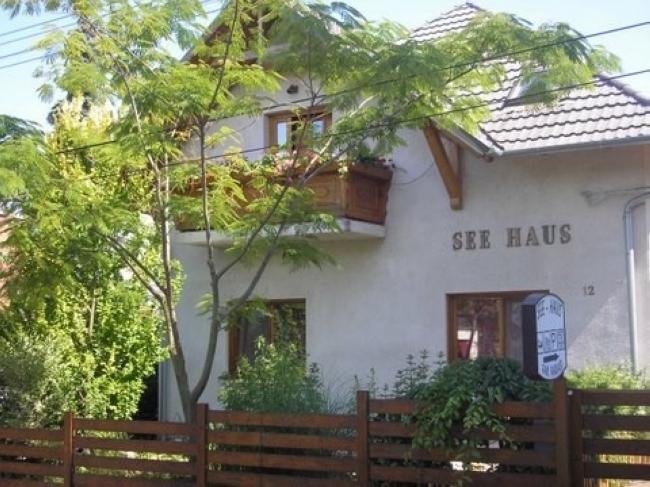 See Panzió, Balatonföldvár
