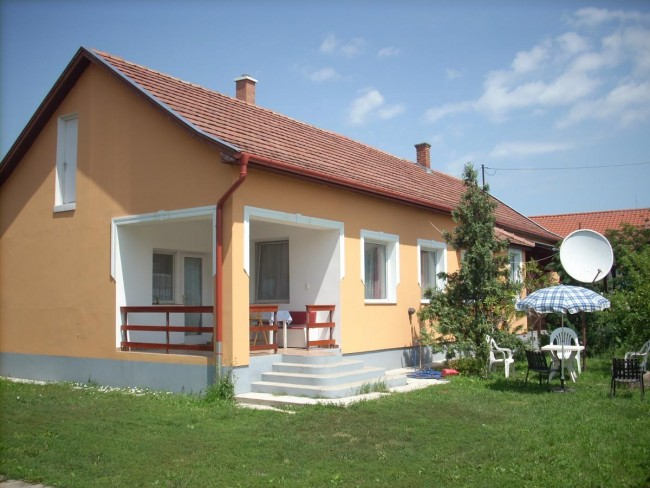 Abádi Karmazsin Ház, Abádszalók