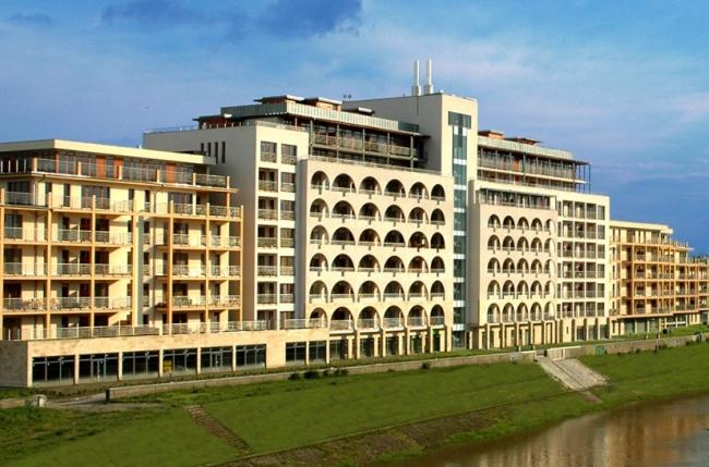 DunaLux Apartments, Győr
