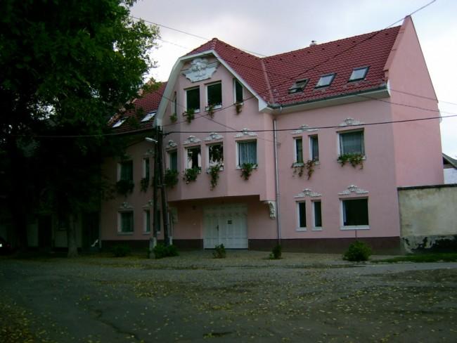 Lili-Apartman, Debrecen