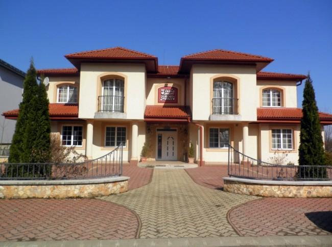 Siesta Panzió, Nyíregyháza (Sóstófürdő)