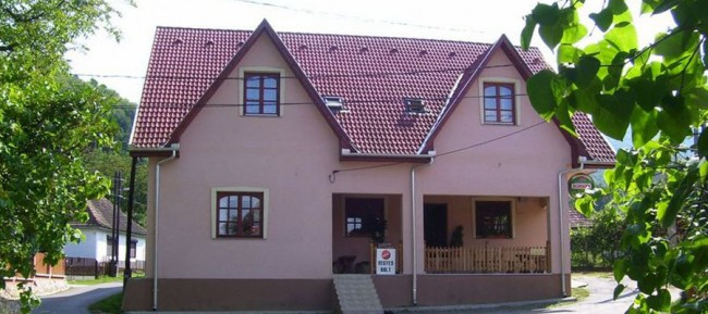 Hubertus Vendégház és Söröző, Parád