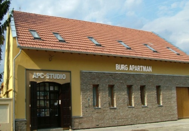 Burg Apartman, Gyula