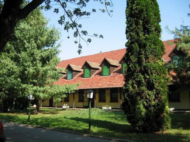 Békés-Dánfoki Üdülőközpont, Békés