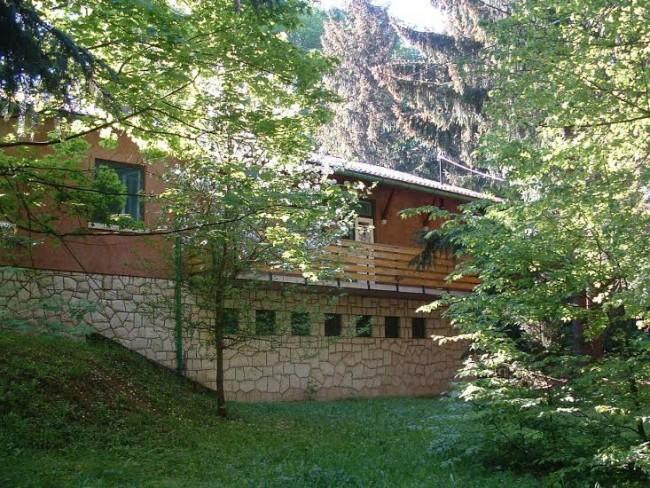 Ivánkai Vendégház, Arló