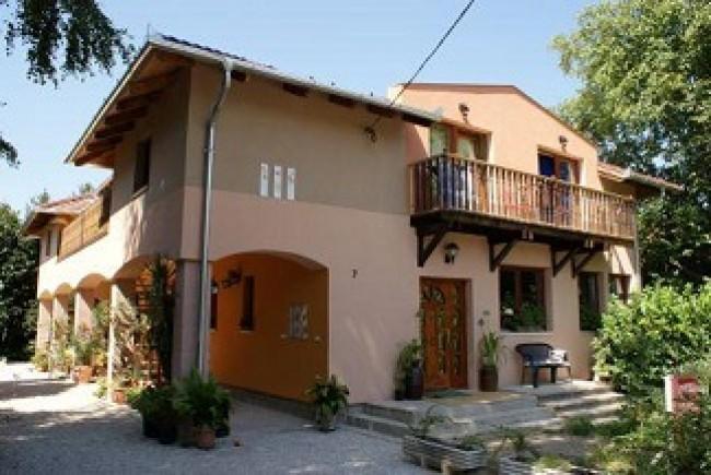 A   Pipacs Apartmanház, Balatonboglár