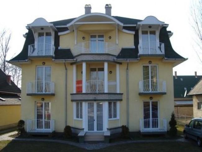 Sziszi Panzió Apartmanház, Balatonboglár