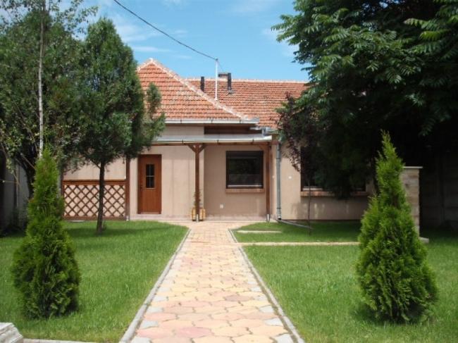 Corner Apartman, Gyula