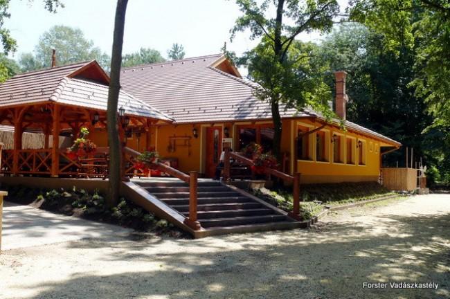 Forster Vadászkastély és Szálloda, Bugyi