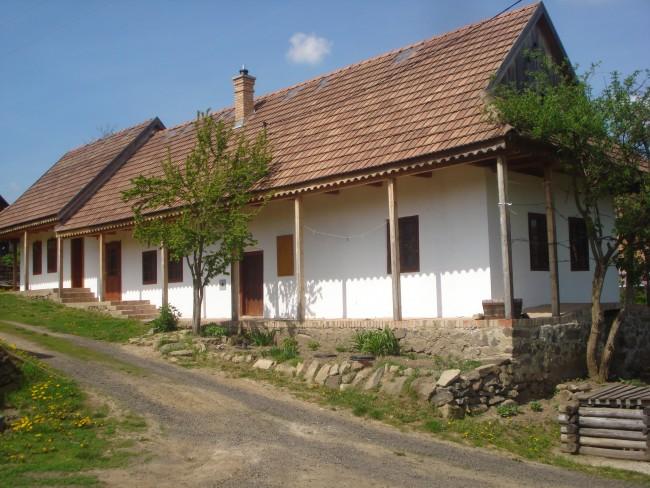 Árdai Vendégház, Terény