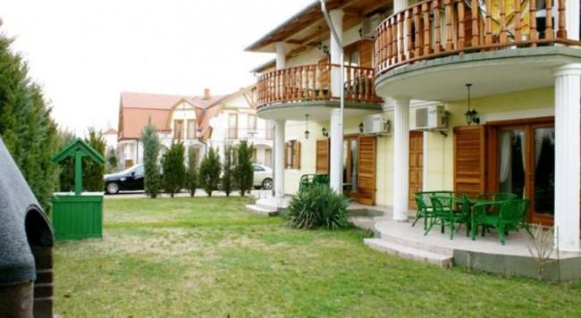 Botos Villa, Balatonlelle