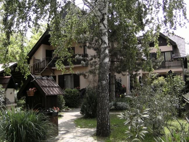 Írisz Apartman ház, Siófok (Balatonszéplak)