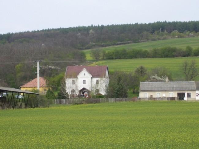 Liliomtanya Vendégház, Letkés