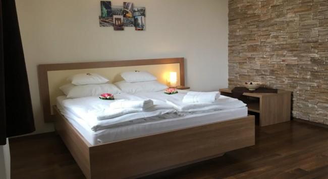 Garzon Plaza  Hotel, Győr