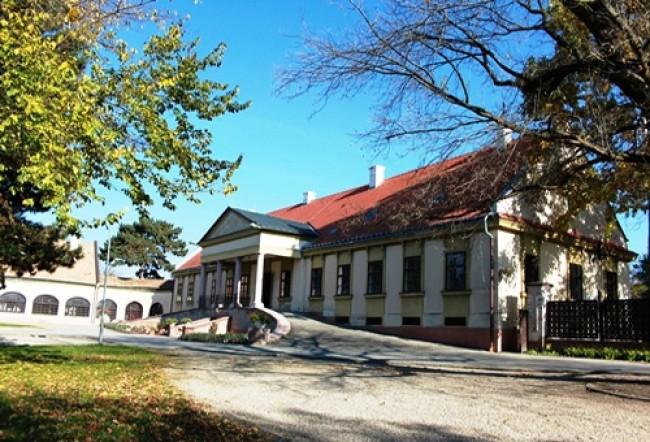 Bezerédj-kastély, Győr (Ménfőcsanak)