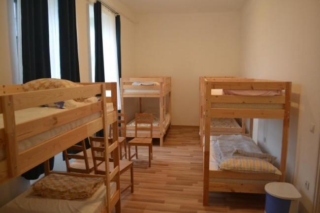 Ifjúsági szálláshely, Kazár