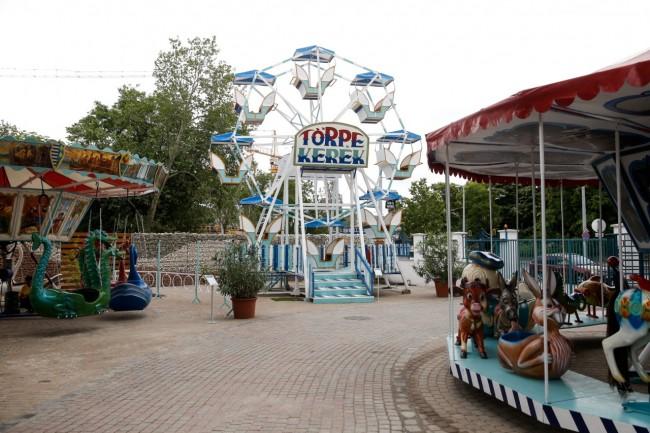 HOLNEMVOLT állat- és játszóparkba, BUDAPEST (XIV. kerület)