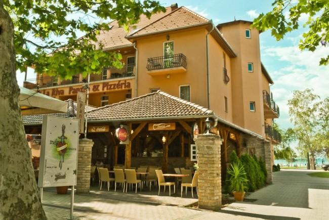 La Riva Hotel és Pizzéria, Siófok