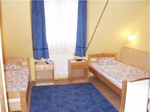 030092_szoba.jpg