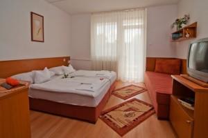 040073_hotel_napfeny_zalakaros_szoba1.jpg