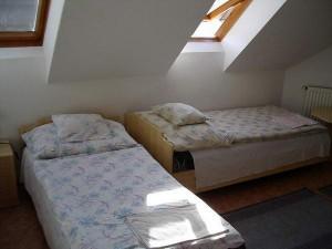 040521_apartman1_szoba.jpg