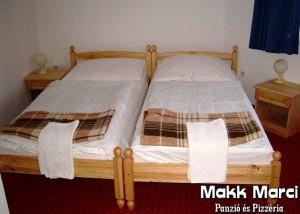 130098_makkmarci_szoba.jpg