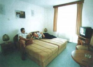 170435_szoba.jpg