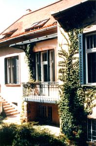 200347k2.jpg