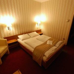 200418_hotel_szoba.jpg