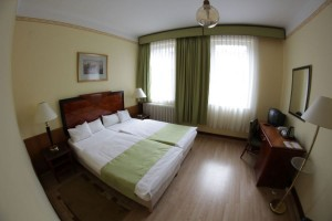 201130_hotelmetro_szoba2.jpg