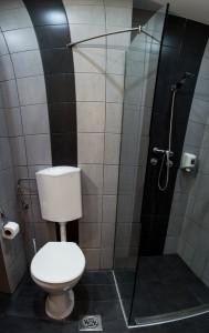 210312_hotelberln_furdoszoba.jpg