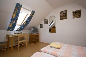 302504_szoba.jpg