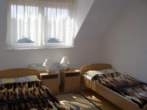 303038_vadrozsa_szoba1.jpg