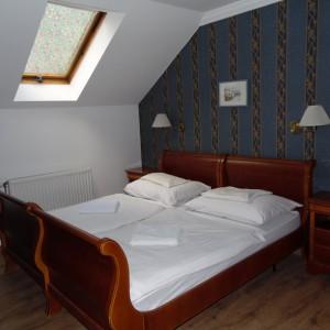 303174_hotelcontinent_szoba1.jpg