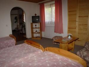 304282_szoba.jpg