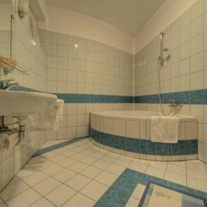 308851_hotelbalaton_furdoszoba.jpg